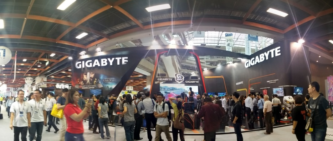 COMPUTEX 2016 Special Coverage: GIGABYTE Booth Tour